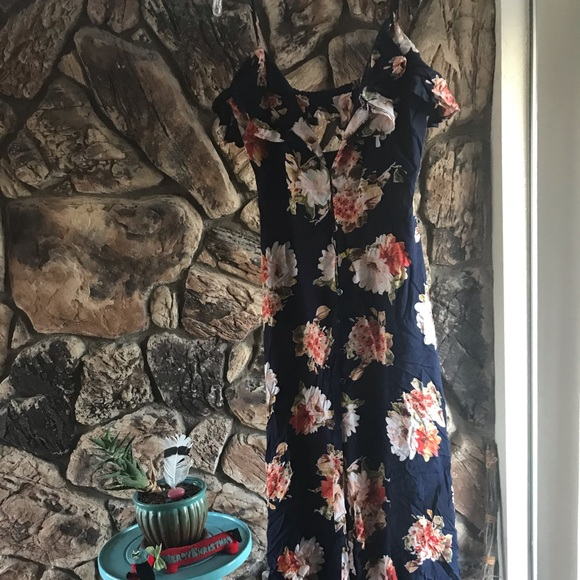 Band of Gypsies Dresses & Skirts - Band of Gypsies button front floral max dress